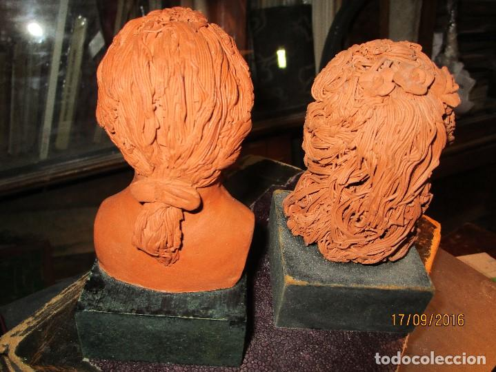 Varios objetos de Arte: PAREJA ANTIGUAs FIGURAS ESCULTURAS BARRO TERRACOTA PLACA FIRMA ATACHE - Foto 5 - 163548334