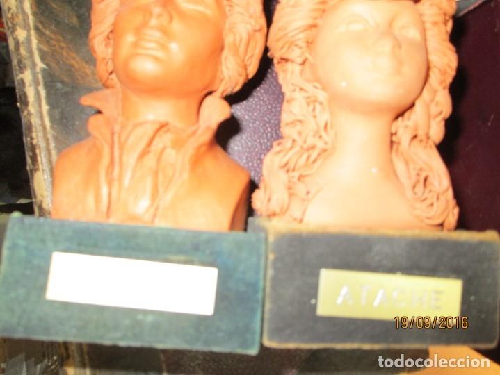 Varios objetos de Arte: PAREJA ANTIGUAs FIGURAS ESCULTURAS BARRO TERRACOTA PLACA FIRMA ATACHE - Foto 3 - 163548334