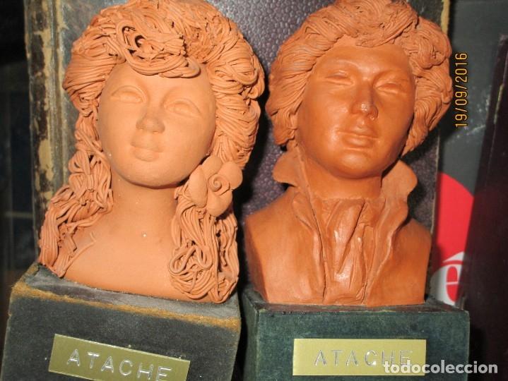 Varios objetos de Arte: PAREJA ANTIGUAs FIGURAS ESCULTURAS BARRO TERRACOTA PLACA FIRMA ATACHE - Foto 8 - 163548334