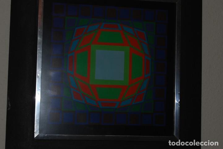 Varios objetos de Arte: VICTOR VASARELY - GYEMANT - CUADRO LÁMINA 1974 SUIZA - ENMARCADA - OP ART - Foto 5 - 202843983