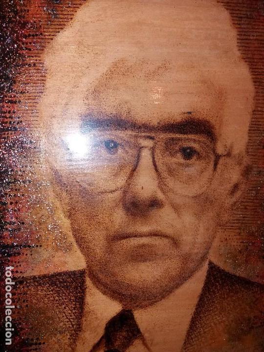 Varios objetos de Arte: LLEVATA REQUENA CUADRO ARTE PIROGRABADO RETRATO HOMBRE DESCONOZCO QUIEN ES UNICO - Foto 9 - 170228880
