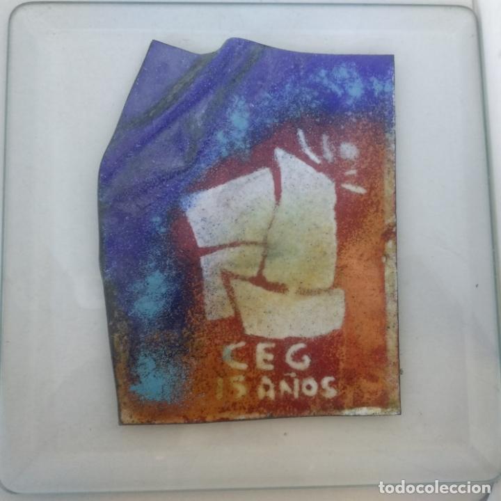 Varios objetos de Arte: Esmalte al fuego sobre metal pieza única Julia Ares,CEG 15 años 1996 16,5x16,5 cm - Foto 2 - 172584250
