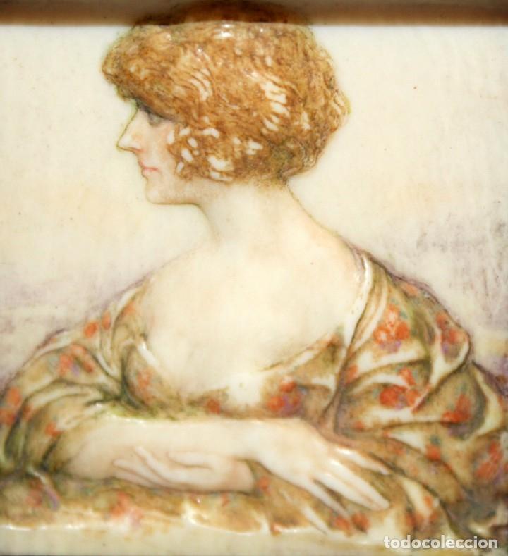 BONITA MINIATURA DEL SIGLO XIX. DAMA DE PERFIL (Arte - Varios Objetos de Arte)