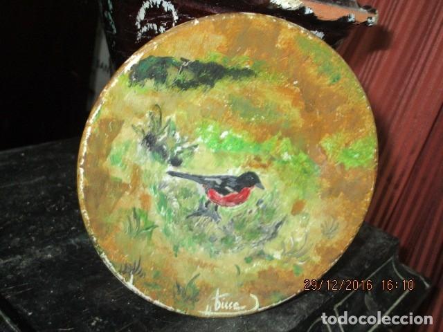 Varios objetos de Arte: pintura antigua oleo en plato de ceramica firma pisso o similar - Foto 4 - 174380612