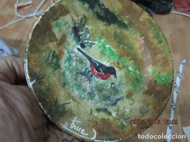 Varios objetos de Arte: pintura antigua oleo en plato de ceramica firma pisso o similar - Foto 8 - 174380612