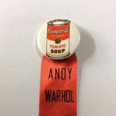 Varios objetos de Arte: CHAPA/PIN ANDY WARHOL CON EL FAMOSO BOTE DE SOPA CAMPBELLS DE 2.5CMX6.5CM DE LARGO. Lote 176909755