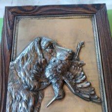 Varios objetos de Arte: CUADRO DE LATÓN CAZA. Lote 179380791
