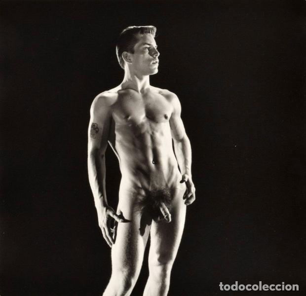 Varios objetos de Arte: LARGE NUDE JOE DALLESANDRO PHOTO, BRUCE BELLAS ESTATE . BRUCE OF LOS ANGELES ARCHIVE: MALE PHYSIQUE - Foto 2 - 181122881