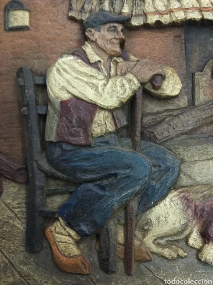 Varios objetos de Arte: ANTIGUO CUADRO TABLA RELIEVE TALLADA POLICROMADA ESCENA TIPOLOGÍA VASCA SUKALDEAN PAIS VASCO BASQUE - Foto 2 - 188740941