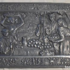 Varios objetos de Arte: BAJORRELIEVE DE ESTAÑO, ESCENA COSTUMBRISTA, CAMPESINOS. Lote 193806450