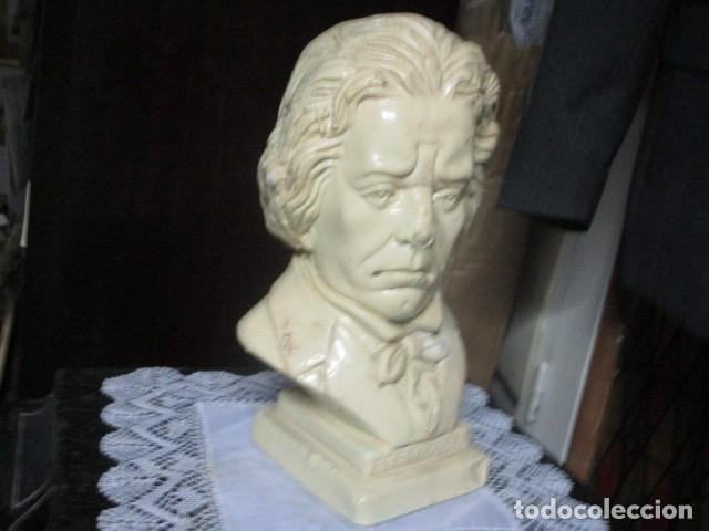BETOVEN PRECIOSO Y ANTIGUO BUSTO DE ESTUCO DE YESO O ESCAYOLA SOBRE 1900 (Arte - Varios Objetos de Arte)