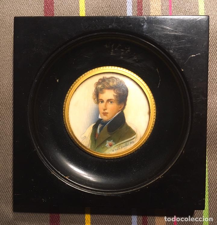Varios objetos de Arte: Preciosa miniatura pintada sobre marfil - Foto 2 - 194234711