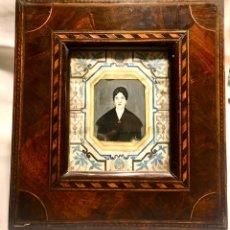 Varios objetos de Arte: ORIGINAL PAREJA MINIATURA SOBRE MARFIL MARCO CAOBA. Lote 194630392