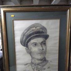 Varios objetos de Arte: RETRATO ENMARCADO DE MILITAR EN CARBONCILLO. 1969.. Lote 200403718