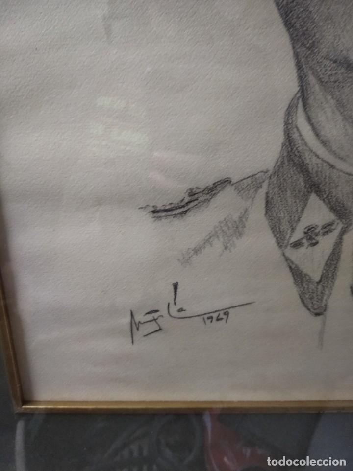 Varios objetos de Arte: Retrato enmarcado de militar en carboncillo. 1969. - Foto 4 - 200403718