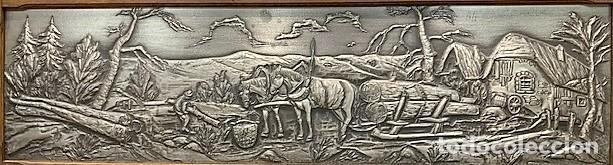 Varios objetos de Arte: BAJO RELIEVE DE ESTAÑO CON MARCO DE ROBLE. - Foto 2 - 206181537