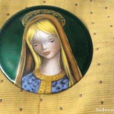 Varios objetos de Arte: CHAPA PORCELANA ESMALTADA VIRGEN 11 CM. Lote 206189428