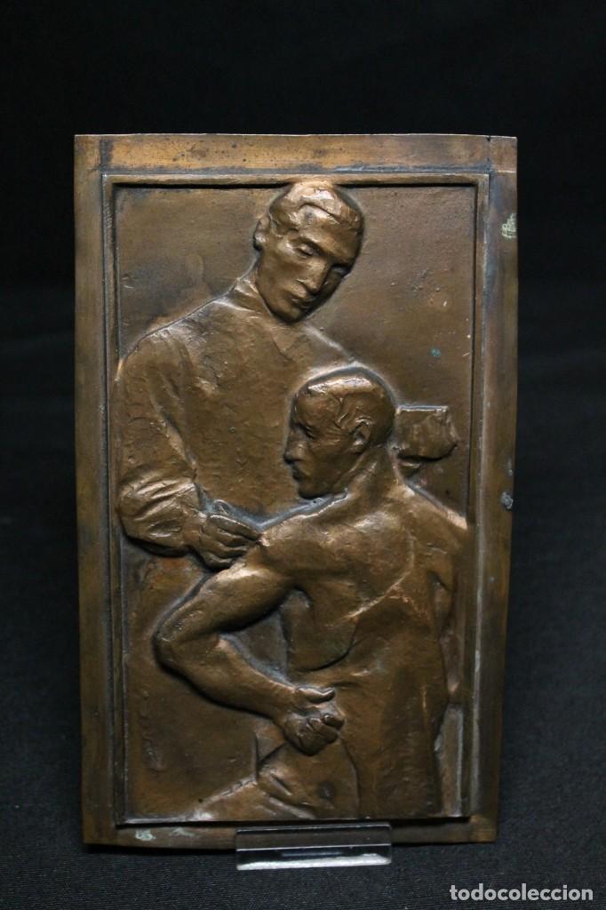 LA VACUNACIÓN, PLACA DE GALVANOPLASTIA AÑOS 20 (Arte - Varios Objetos de Arte)