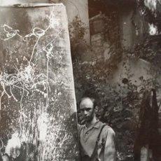 Varios objetos de Arte: ANTONIO SAURA, ANTIGUA FOTOGRAFÍA DE 1952, SEGUNDA ETAPA DEL PINTOR.. Lote 211498100
