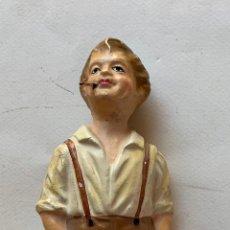 Varios objetos de Arte: FIGURA EN TERRACOTA . JOVEN FUMANDO . BUEN ESTADO .. Lote 212295203