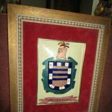 Varios objetos de Arte: ESCUDO HERALDICO MENENDEZ ESMALTE EN PORCELANA ENMARCADO POR PETEN ALICANTE. Lote 214812715