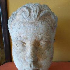 Varios objetos de Arte: ORIGINAL. OBRA DE FRANCESC GASSÓ. NIÑO. EN CERÁMICA. MEDIDAS 26*20*16 CM. Lote 214818390