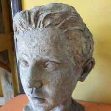 Varios objetos de Arte: ORIGINAL. OBRA DE FRANCESC GASSÓ. HOMBRE. EN CERÁMICA. MEDIDAS 27*19*17 CM. Lote 214818513