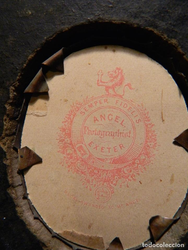 Varios objetos de Arte: RARA 1855 ANTIGUA FOTO VICTORIANA PINTADA A MANO , POR ANGEL OWEN EXETER UK. MARCO 11x9cm - Foto 4 - 215091885