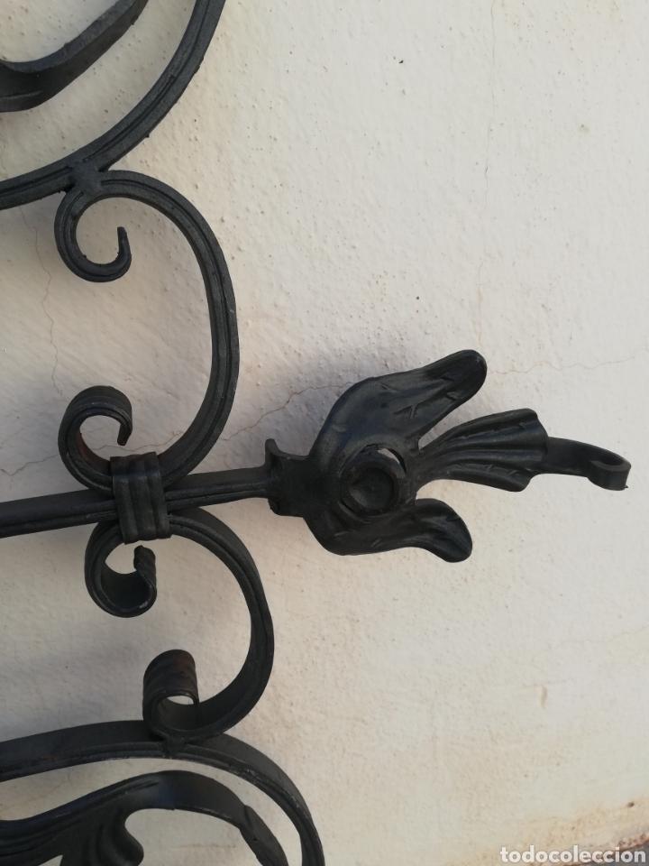 Varios objetos de Arte: Reja rejilla para ventana o puerta en hierro forjado artesanal estilo modernista - Foto 3 - 215535915