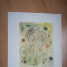 Varios objetos de Arte: JOAN MIRÓ. MUJER EN LA NOCHE. LÁMINA. SELLO EN SECO.. Lote 218820186