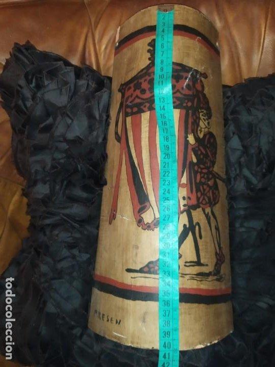Varios objetos de Arte: TEJA DECORACIÓN ANTIGUA? SOCARRAT FIRMADO PRESEN BONITO VALENCIANO PORTANDO BANDERA? - Foto 8 - 224557097