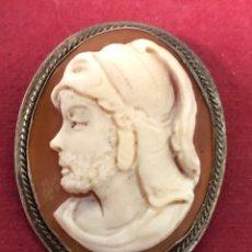 Varios objetos de Arte: BONITO BROCHE-COLGANTE, CON CAMAFEO NAPOLITANO DE TORRE DEL GRECO. S.XIX.. Lote 225830740