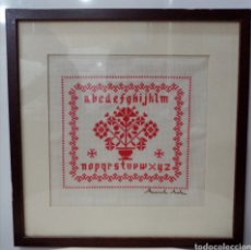 Varios objetos de Arte: CUADRO ABECEDARIO EN PUNTO DE CRUZ AÑO 1997 - CON CRISTAL Y PASPARTÚ. Lote 227632430