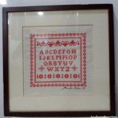 Varios objetos de Arte: CUADRO ABECEDARIO EN PUNTO DE CRUZ AÑO 1997 - CON CRISTAL Y PASPARTÚ. Lote 227632497