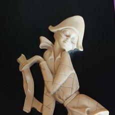 Varios objetos de Arte: CUADRO ARLEQUIN MARFIL TALLADO. Lote 253064695