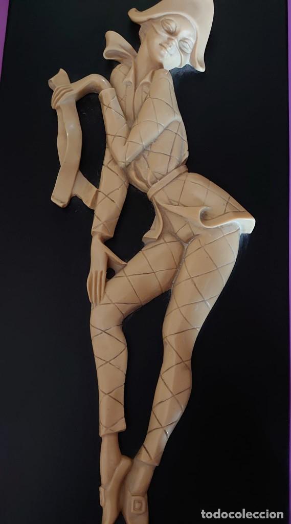 Varios objetos de Arte: CUADRO ARLEQUIN MARFIL TALLADO - Foto 2 - 253064695