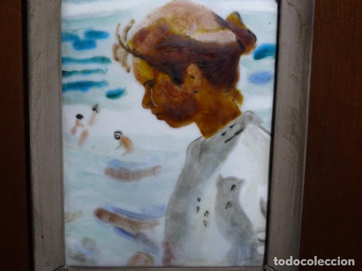 ESMELTE DE SOROLLA EN MARCO CON FILO DE PLATA DE LEY Y MADERA. (Arte - Varios Objetos de Arte)