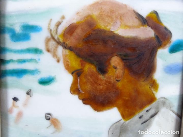 Varios objetos de Arte: ESMELTE DE SOROLLA EN MARCO CON FILO DE PLATA DE LEY Y MADERA. - Foto 5 - 236800555