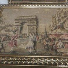 Varios objetos de Arte: ANTIGUO TAPIZ ENMARCADO DEL ARCO DEL TRIUNFO PARIS EN L PAZA CHARLES DE GAULLE FRANCIA. Lote 239693335