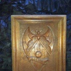 Varios objetos de Arte: ANTIGUA TALLA ESCUDO MADERA EQUIPO FUTBOL RAPID LEONES VALENCIA ÚNICA?. Lote 240289185