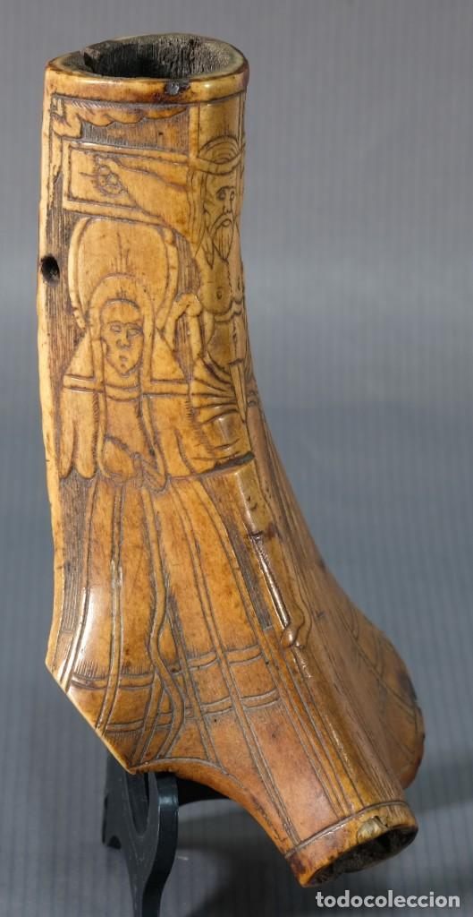 Varios objetos de Arte: Imagen del Calvario sobre huevo hacia 1500 - Foto 2 - 243865710