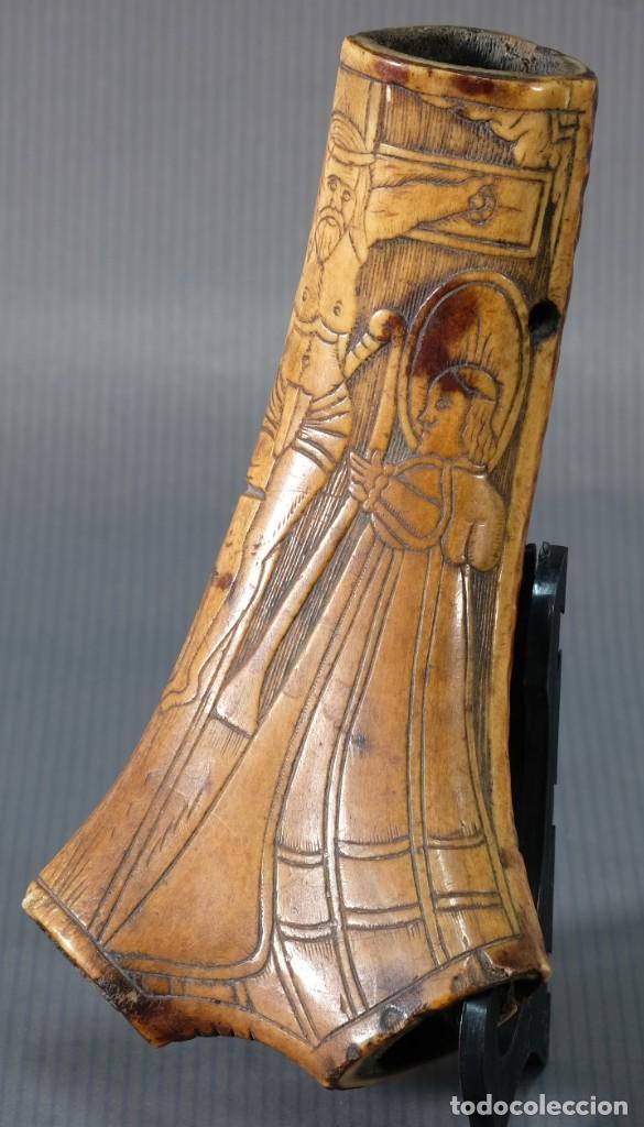 Varios objetos de Arte: Imagen del Calvario sobre huevo hacia 1500 - Foto 3 - 243865710