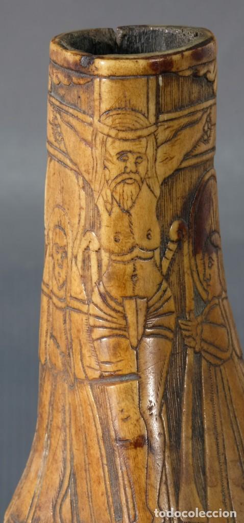 Varios objetos de Arte: Imagen del Calvario sobre huevo hacia 1500 - Foto 4 - 243865710