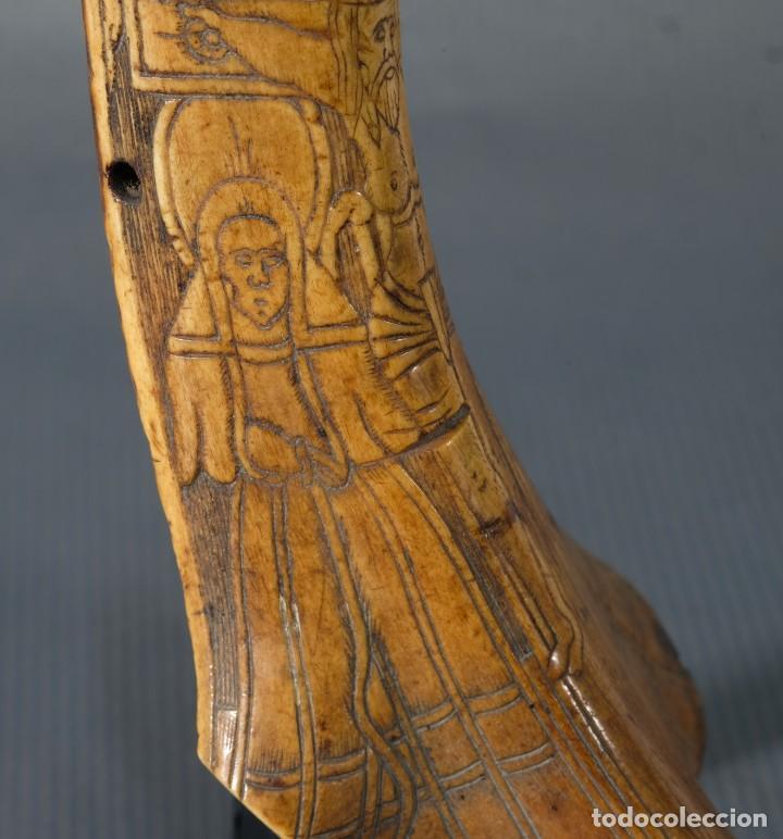 Varios objetos de Arte: Imagen del Calvario sobre huevo hacia 1500 - Foto 6 - 243865710