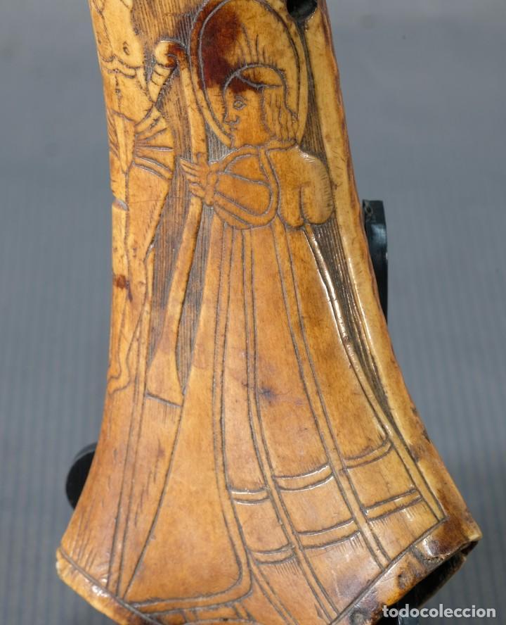 Varios objetos de Arte: Imagen del Calvario sobre huevo hacia 1500 - Foto 7 - 243865710