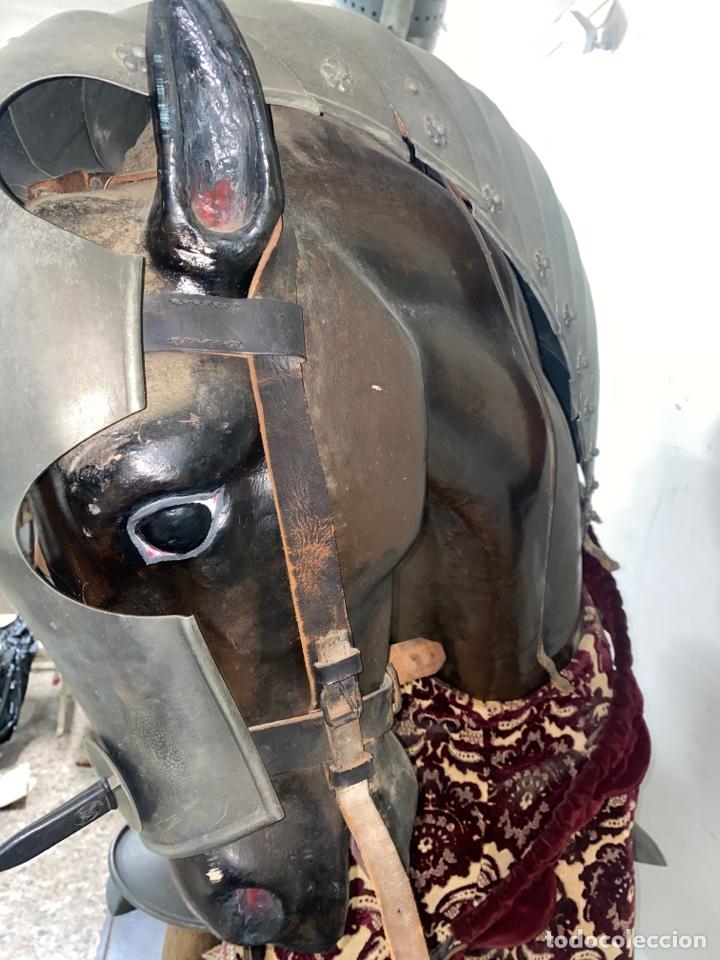Varios objetos de Arte: CABALLO DE CARTON PIEDRA CON ARMADURA Y LANZA. TAMAÑO REAL. PRINCIPIOS S.XX. - Foto 14 - 248675385