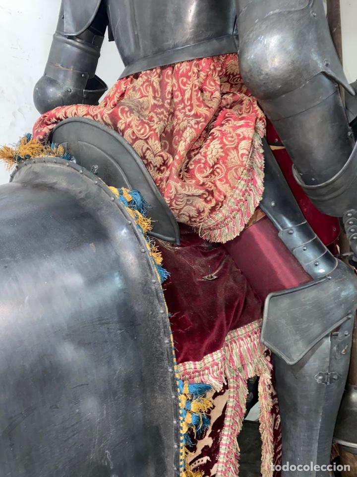 Varios objetos de Arte: CABALLO DE CARTON PIEDRA CON ARMADURA Y LANZA. TAMAÑO REAL. PRINCIPIOS S.XX. - Foto 26 - 248675385