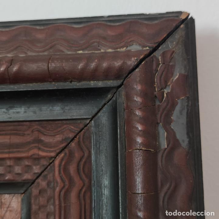Varios objetos de Arte: Auténtica obra de arte. Cuadro del descendimiento de la cruz. Cuero repujado. Firmado F.M. Rubio. - Foto 9 - 250337220