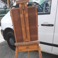 Varios objetos de Arte: ANTIGUO CABALLETE MALETA DE PINTOR. Lote 251564860