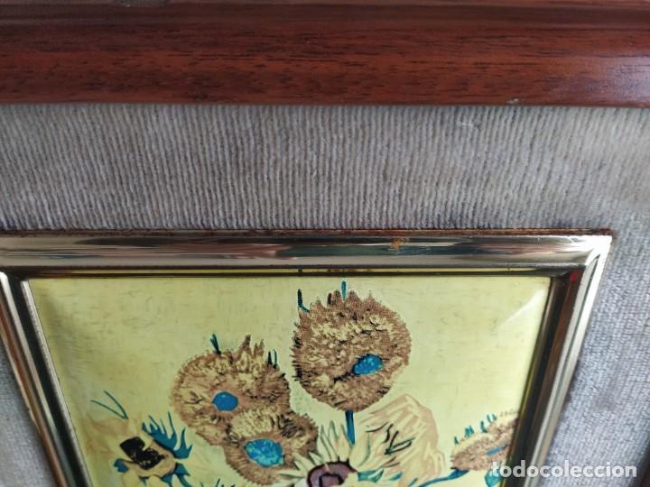 Varios objetos de Arte: CUADRO ESMALTADO VAN GOGH / LOS GIRASOLES. MARCO DE MADERA MIDE 39 CM x 44,5 CM - Foto 11 - 254003055
